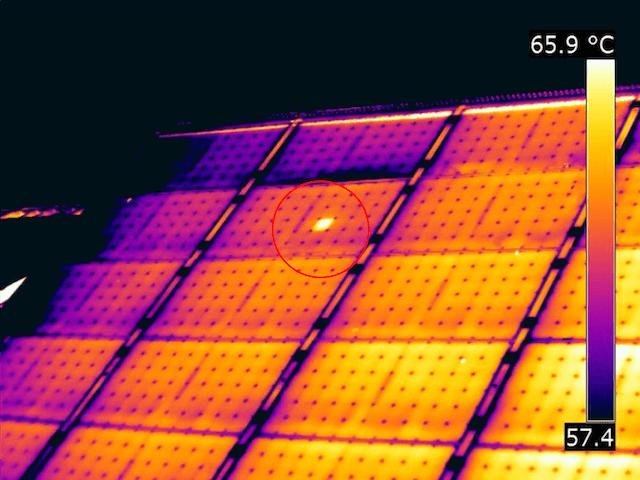 Termografia fotovoltaico Hotspot su pannello solare